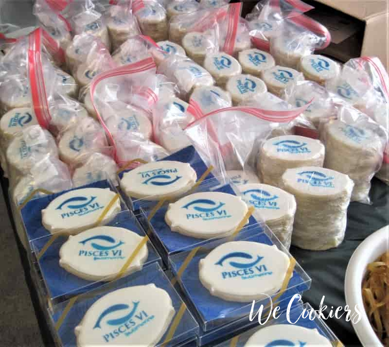 World renowned Pisces VI deep sea diving submarine banquet cookies. Image found on Home page of WeCookiers.com